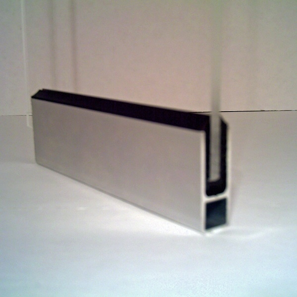 rahmenprofil in pressblank mit dichtung f r 6 mm plattenst rke home. Black Bedroom Furniture Sets. Home Design Ideas